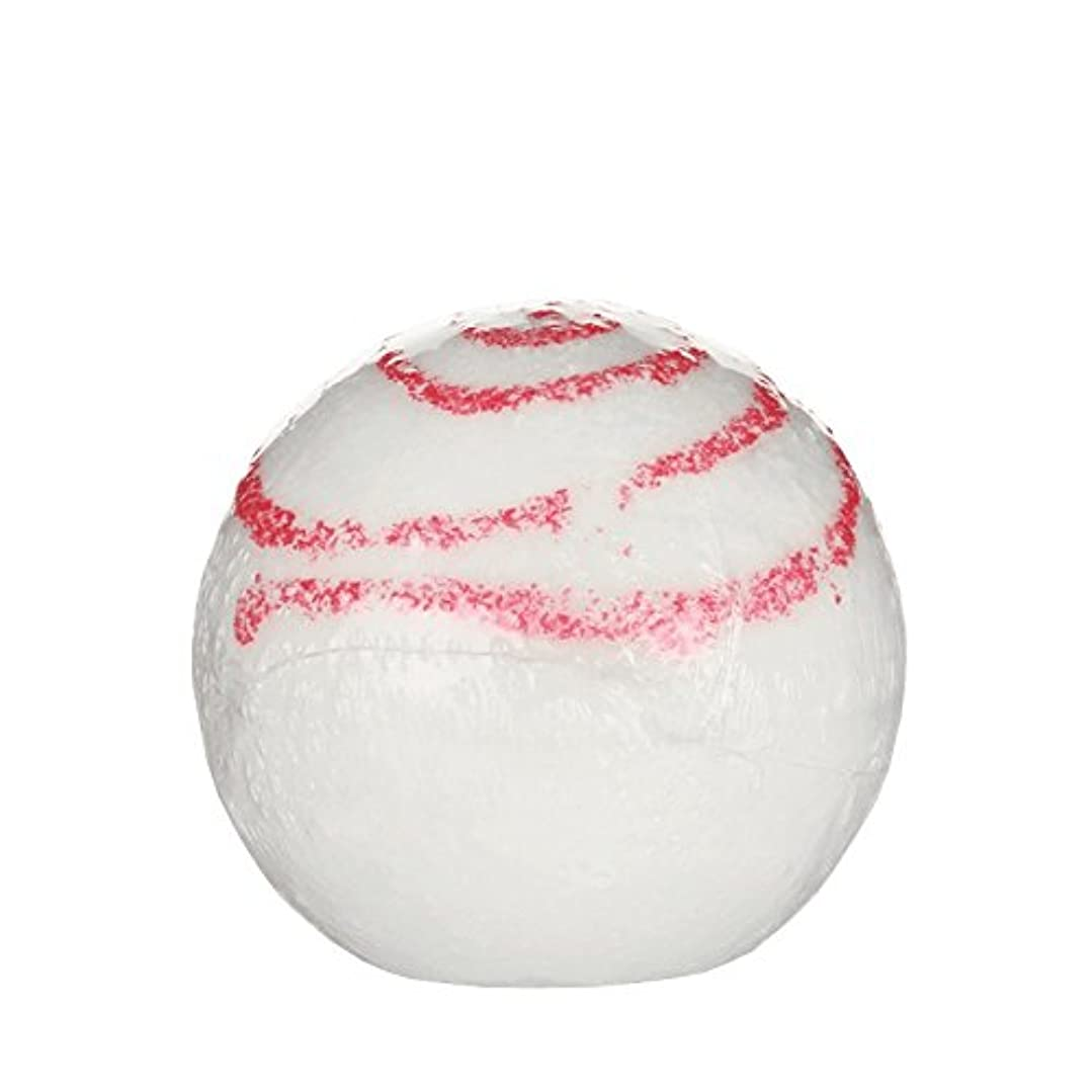 聖職者流産ベッツィトロットウッドTreets Bath Ball Glitter Kiss 170g (Pack of 6) - Treetsバスボールグリッターキス170グラム (x6) [並行輸入品]