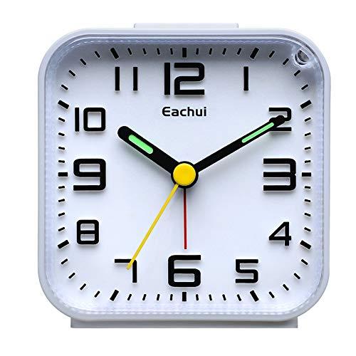 Eachui Analog Wecker Klein mit Lauter Alarm, Nachtlicht, Schlummerfunktion, Ohen Ticken, geräuschlos, Batteriebetrieben, Einfache Bedienung (Weiß)