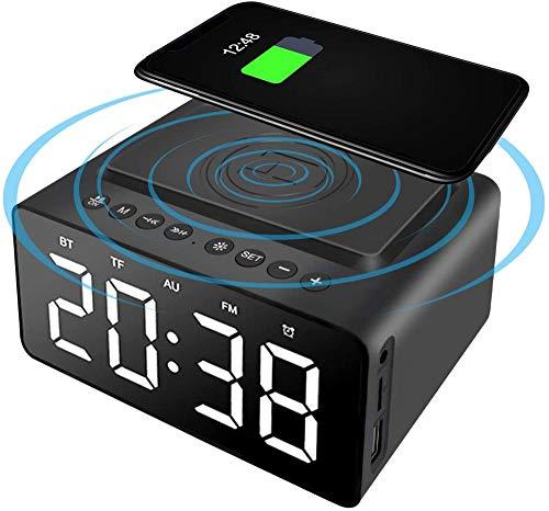 HUIQ Reloj Despertador Altavoz Bluetooth Junto a la Cama Radio FM sin tictac con Cargador USB y Carga inalámbrica QI Pantalla LED Digital Regulable de 3 Niveles Alimentación de Red con batería de