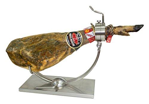 Jamón Ibérico de bellota – pata negra. Denominación de origen Guijuelo- Peso entre 8.5-9 kg. Elaboración artesanal