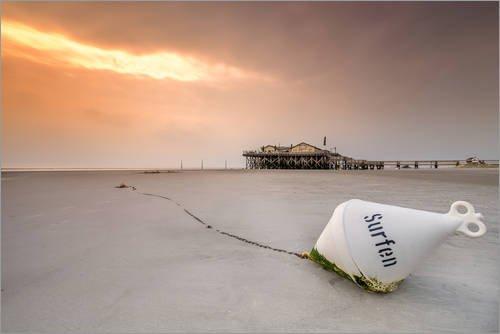 Posterlounge Acrylglasbild 30 x 20 cm: Surfen am Strand der Nordsee von Dennis Stracke - Wandbild, Acryl Glasbild, Druck auf Acryl Glas Bild
