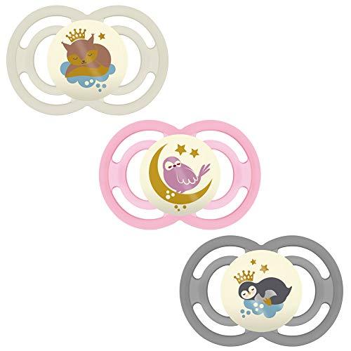 MAM Babyartikel Perfect Night Schnuller, leuchtend, 6 Mo+ Mädchen // 3er Set // inkl. 3 Sterilisiertrasportboxen