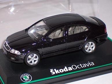 SKODA OCTAVIA II 2 LIMOUSINE BLACK MAGIC SCHWARZ 143AB001D 1/43 ABREX MODELLAUTO MODELL AUTO