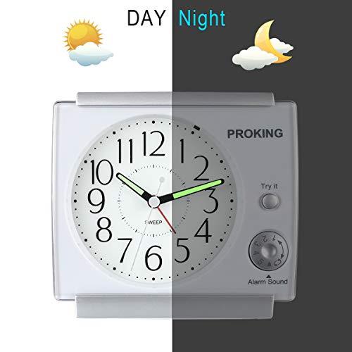 PROKING Ayybboo Reveil Matin Sonnerie Reglable Reveil Jour Nuit Éducatif Analogique Réveil à Piles Silencieux Snooze avec Lumineux(Blanc)