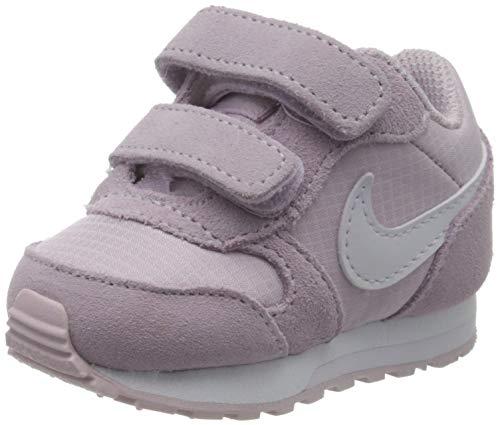 Nike MD Runner 2 PE TDV, Zapatillas de Gimnasio Unisex Niños, Lila Helada/Apenas UVA, 34 EU