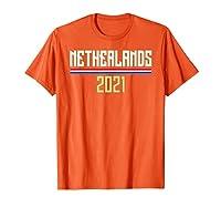 Les Pays-Bas sont situés dans le nord-ouest de l'Europe et sont connus pour leur paysage plat. Pays-Bas 2021 Pays-Bas comme maillot de football avec drapeau. Pays-Bas 2021 Maillot de football des Pays-Bas avec le drapeau néerlandais. Léger, Coupe cla...