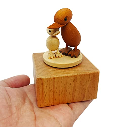 LILYXIN Cute Little Duck Mini Music Box, Cartoons Animals Wooden Mechanical Music Box, The Music Box Gift That Sings Canon, Best Gift for Boy Girl Kids Singing Music Gift Box
