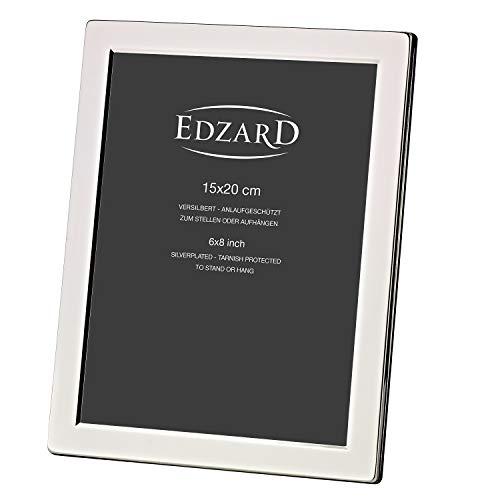 Cadre photo EDZARD Salerno pour photo 15 x 20 cm, argenté noble, protégé contre la ternissure, avec dos en velours gris, 2 suspentes incluses, cadre photo à poser et à suspendre