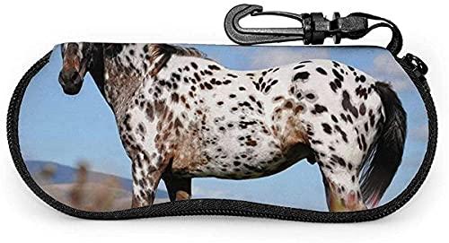 Tcerlcir Estuche para gafas Appaloosa Horse Meadow Art-Wild Horses Mujeres Hombres Estuche para gafas de sol Estuche para gafas con mosquetón, 17x8cmetro