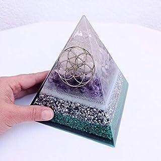 Pirámide orgonita realizada con cuarzo rosa, cuarzo cristal, amatista y semilla de la vida plateada