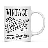 Regalo de Taza de café de hito de cumpleaños, Vintage 1945, gráfico de Botella de Vino, 74, 75, 76 Ideas de Regalo de cumpleaños para él o su mamá, 11 oz