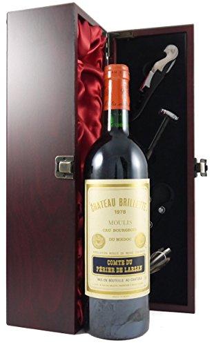 Chateau Brillette 1978 Medoc Cru Bourgeois in einer mit Seide ausgestatetten Geschenkbox. Da zu vier Wein Zubehör, Korkenzieher, Giesser, Kapselabschneider,Weinthermometer, 1 x 750ml