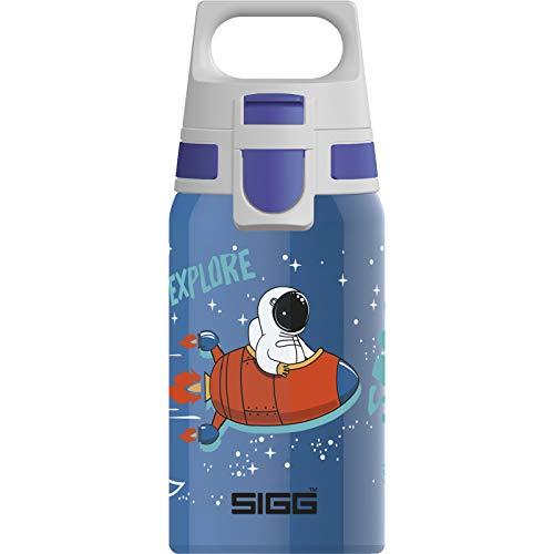 SIGG Shield One Space Kinder Trinkflasche (0.5 L), Edelstahl Kinderflasche mit auslaufsicherem Deckel, einhändig bedienbare Wasserflasche