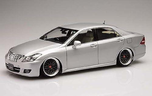 la mejor selección de Plastic Model Car Kit Super VIPCAR No.89-SP 1 24 24 24 Brain ES Premuim 200 Toyota Crown Royal Saloon by Aoshima Bunka  más vendido