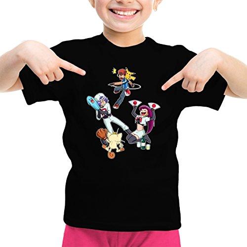 Okiwoki T-Shirt Enfant Fille Noir Pokémon parodique Pikachu, Sasha et la Team Rocket : Une Partie de Poké-Ball : (Parodie Pokémon)