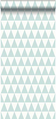 papel pintado pintura de tiza con textura eco triángulo geométrico gráfico verde menta pastel agrisado claro y blanco mate - 148669 - de ESTAhome.nl