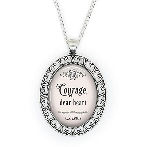 Collar con cita de Narnia, con texto en inglés 'Courage, Dear Heart, C.S. Lewis, cita literaria inspiradora, collar de cita motivacional, N332