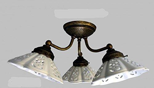 Plafoniera in ottone brunito con ceramiche traforate a 3 luci