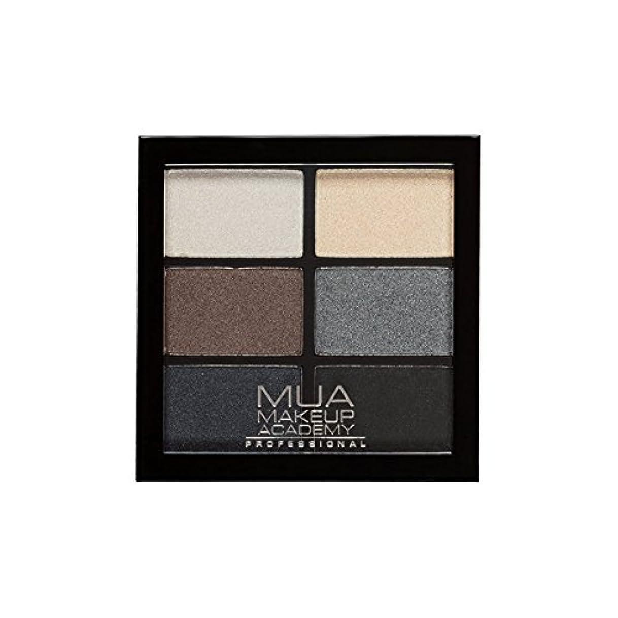 ゴミ箱を空にするエンジニアリングまだMUA Professional 6 Shade Palette Smokey Shadows (Pack of 6) - プロ6日陰パレットスモーキーシャドウ x6 [並行輸入品]