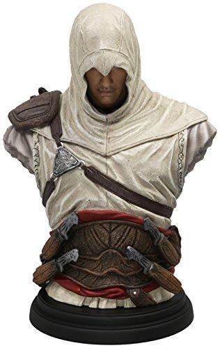 Cintura finemente dettagliata, con pugnali da lancio e borse Texture degli spallacci e spada di Altair di grande realismo Base rimovibile Altezza: 19 cm