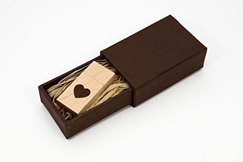 Wooden USB thumb drive perfect 5th anniversary gift idea for your husband