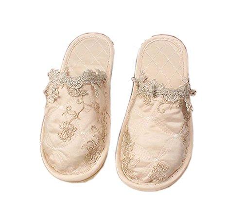 Crema-blanco bordado completo de cobertura de tela de moda Inicio pantuflas
