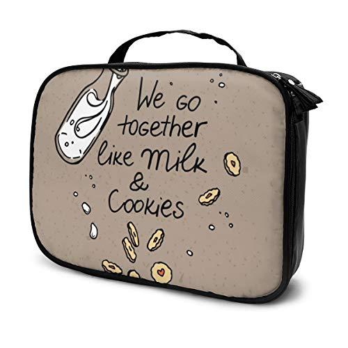 Sacs à cosmétiques pour les voyages des femmes, image de bouteille de lait et biscuits. Étui à crayons et biscuits de lait volants dans les airs