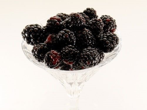 HEIRLOOM NON GMO Black Satin Blackberry 25 Samen