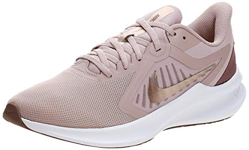 Nike Damen WMNS Downshifter 10 Laufschuh, Stone Mauve MTLC Red Bronze Smokey Mauve Barely Rose, 39 EU
