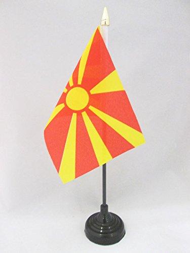 AZ FLAG TISCHFLAGGE MAZEDONIEN 15x10cm goldene splitze - MAKEDONISCHE TISCHFAHNE 10 x 15 cm - flaggen
