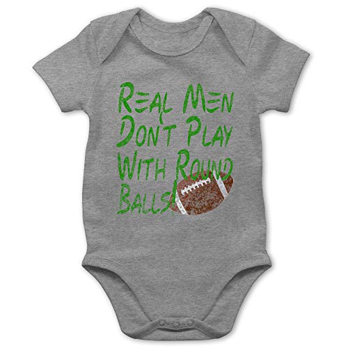 Football - Real Men Don't Play with Round Balls - Vintage Look - 6/12 Monate - Grau meliert - Football Baby Ball - BZ10 - Baby Kurzarm Body Strampler