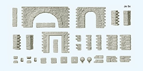Bruchsteinmauern mit Toröffnu