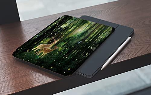 MEMETARO Funda para iPad 10.2 Pulgadas,2019/2020 Modelo, 7ª / 8ª generación,Mariposa luciérnaga en patrón de Bosque difuso de Dos Ciervos Smart Leather Stand Cover with Auto Wake/Sleep