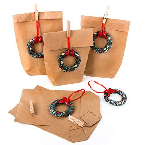 Lot de 10 petits sacs en papier naturel + 10 pendentifs de Noël rouges et verts 14 x 22 x 5,5 cm