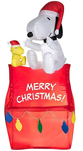 Gemmy 88708 Air Blown Christmas Snoopy On House With Banner And Lights