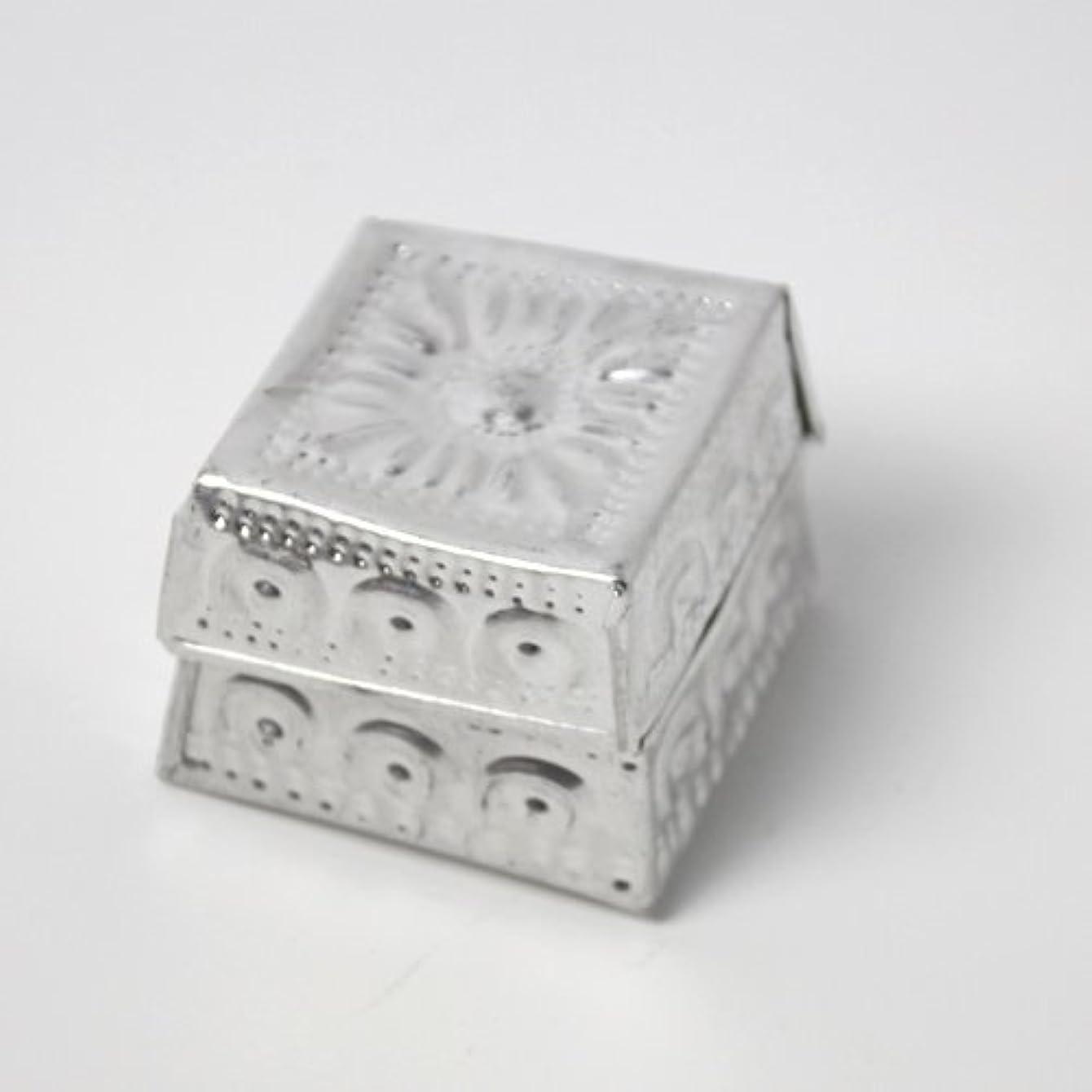 ブロンズ傭兵不正確アルミアートのボックスにはいったアロマキャンドル?四角
