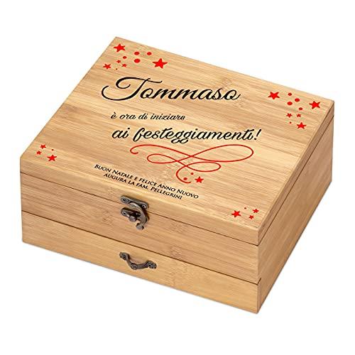 Maverton Accessori da vino La Dedica - Set Natalizio di Cavatappi da Vino Personalizzato - Scatola in legno di bambù + 8 pezzi di Accessori Vino - regali di Natale - Festeggiamenti