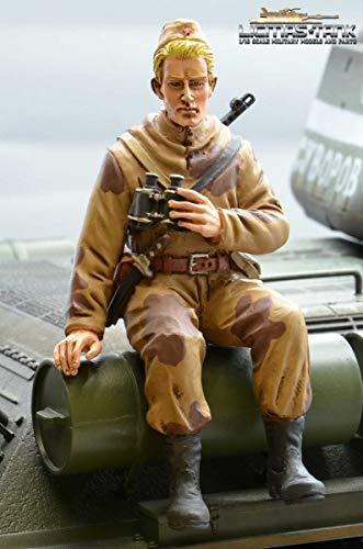 licmas Figur Soldat WW2 russischer Aufklärer mit Fernglas Tankrider Amöbe Camouflage Braun 1:16