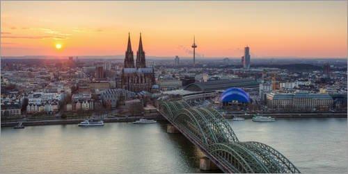 Posterlounge Acrylglasbild 100 x 50 cm: Panoramablick auf Köln bei Sonnenuntergang von Michael Valjak - Wandbild, Acryl Glasbild, Druck auf Acryl Glas Bild