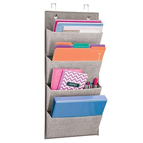 mDesign Organizador de oficina con dibujo zigzag – Gran organizador para colgar de polipropileno transpirable – Con 4 bolsillos – Colgador de puerta para armarios o para instalar en la pared