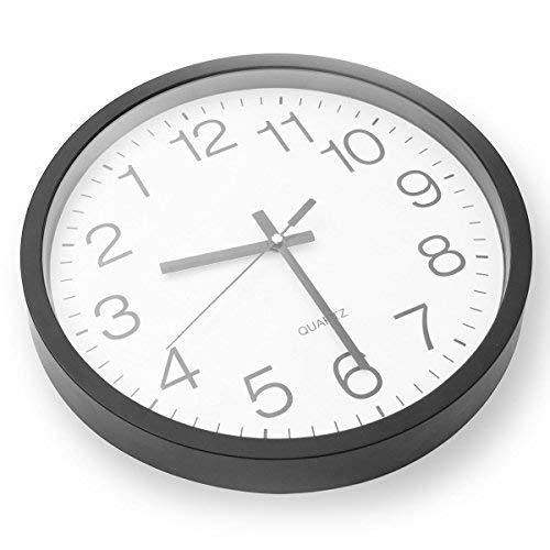 GOODS+GADGETS Rückwärts laufende Wanduhr - Rückwärtslauf Uhr Rückwärtslaufende Ostfriesen Uhr