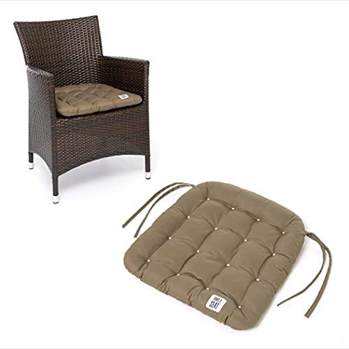 HAVE A SEAT Luxury - Sitzkissen Outdoor, Sitzpolster Gartenstuhl, Sitzauflage Rattanstuhl, bequem, robust, pflegeleicht, waschbar bei 95°C, Trockner geeignet (4er Set - 48x46 cm, Goldbraun)