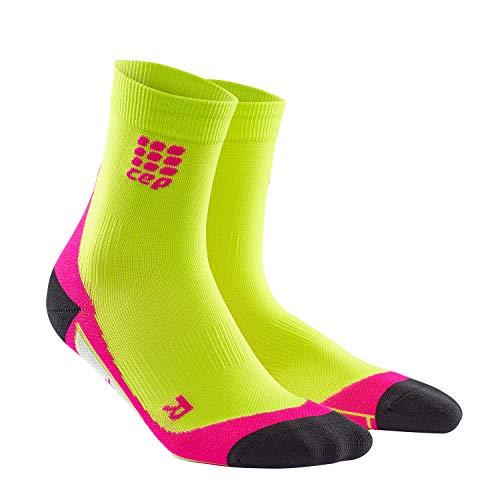 CEP - DYNAMIC+ SHORT SOCKS, Laufsocken kurz für Damen, grün / pink in Größe III, Sportsocken made by medi