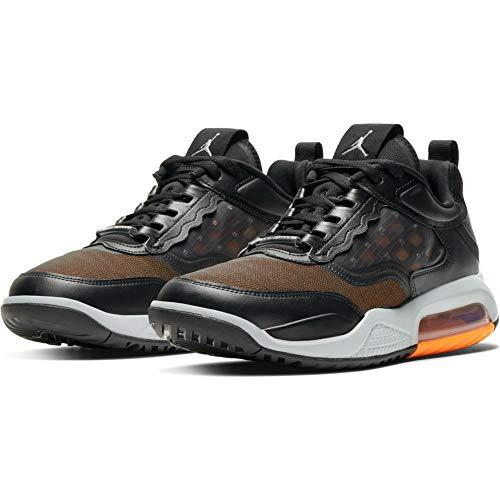 Nike Herren Sneaker Jordan Max 200 Black/Reflective Silver/lt Smoke Grey (42.5 EU, Numeric_42_Point_5)