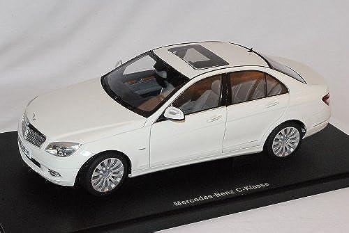 Mercedes-Benz C-Klasse Limousine Weißs W204 Ab 2007 76262 1 18 AutoArt Modell Auto