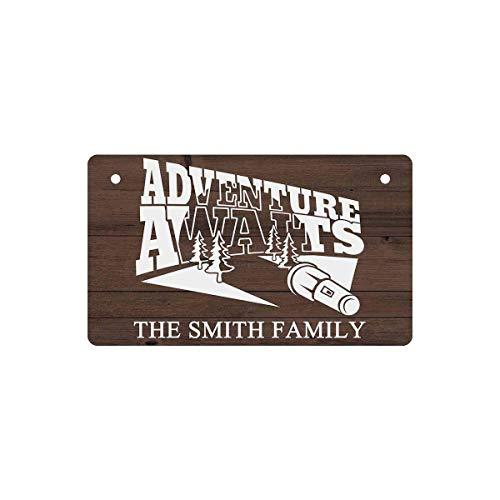 Placas de letrero de madera con nombre personalizado para puerta de RV, la aventura espera, decoración de pared colgante, arte, acampar personalizado, decoración del hogar, regalos, 40x60cm MAT-067