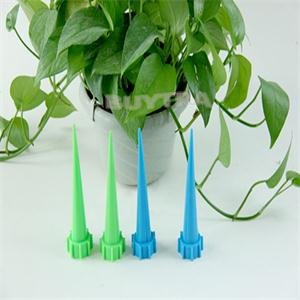 4 pcs/lot Fleur Plante Garden Innovations Bouteille de Bon Marché Système d'irrigation Jardin Cône d'arrosage Spike Hot vente