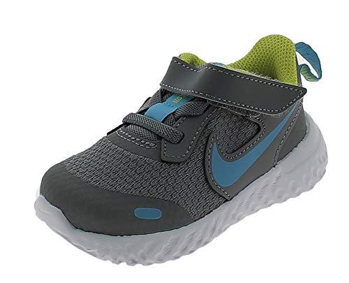 Nike Revolution 5, Zapatillas Unisex niños, Gris Ahumado, Cloro Azul, 22.5 EU