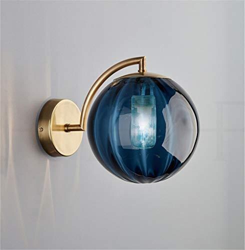 Moderne led-wandlamp van metaal met strijkijzer in de vorm van een glazen bol voor huisverlichting