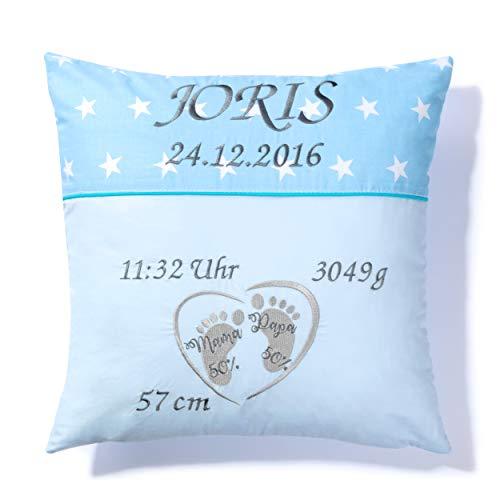 Amilian Kissen 40 x 40 cm mit Namen und Datum bestickt, Geschenk zur Geburt, Taufe, zum Namenstag personalisiert, fürs Baby, Kinder, inkl. Bezug 100% Baumwolle Sternchen Hellblau/Füßchen